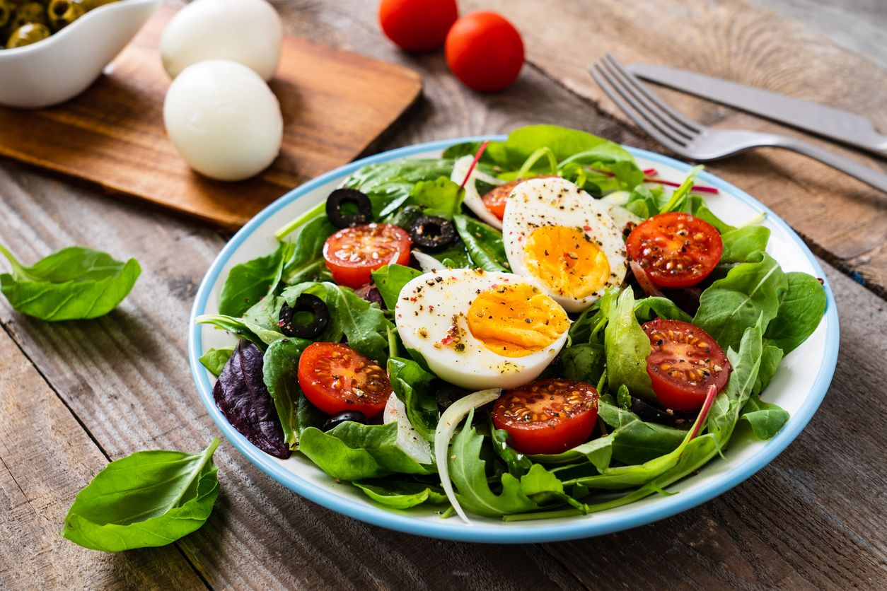 Breakfast - boiled egg and vegetables