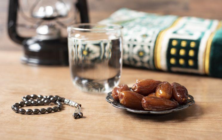 Ini Pentingnya Minum Air Putih Saat Menjalani Ibadah Puasa