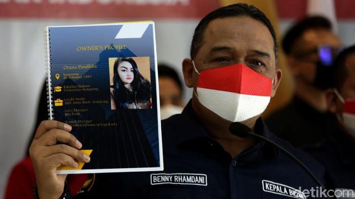 BP2MI ungkap dugaan praktik penyaluran TKI ilegal. Hal itu didasarkan atas penemuan 13 calon pekerja migran saat penggrebekan sebuah apartemen di Jakarta.