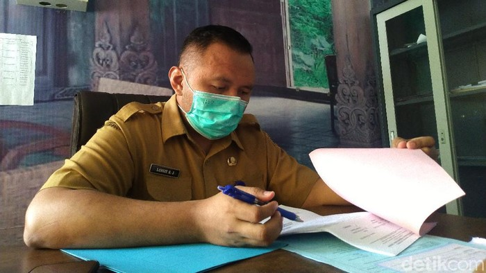 Selain COVID-19, penyakit chikungunya juga patut diwaspadai di Kabupaten Mojokerto. Betapa tidak, virus yang ditularkan nyamuk Aedes aegypti dan Aedes albopictus itu telah menginfeksi 909 warga Bumi Majapahit, pada empat bulan pertama 2021.