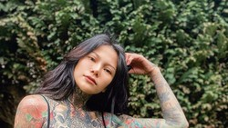 Model Cantik Thailand Tato 98% Tubuhnya, Sering Dikira Pengedar Narkoba