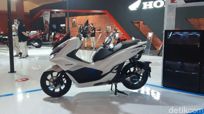 Honda PCX di IIMS 2021