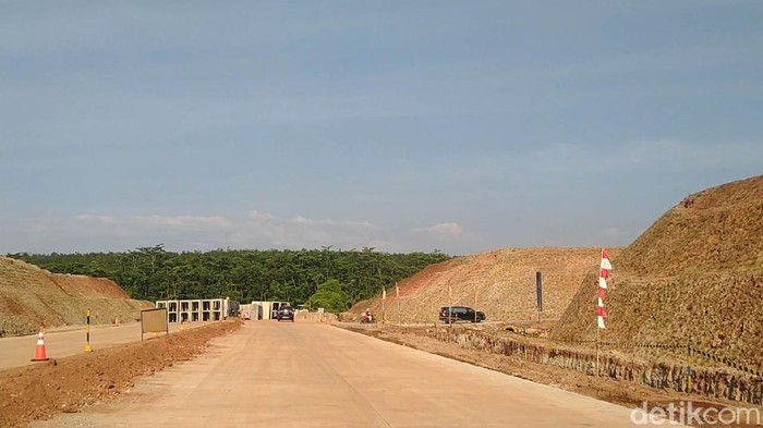 Seakan tidak ingin kehilangan kesempatan emasnya, Presiden Joko Widodo melakukan  pengecekan secara rutin persiapan Kawasan Industri Batang.
