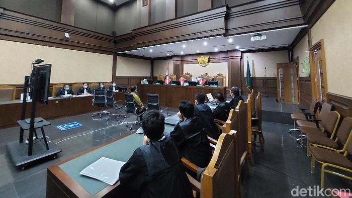 Juliari Batubara jalani sidang dakwaan kasus bansos
