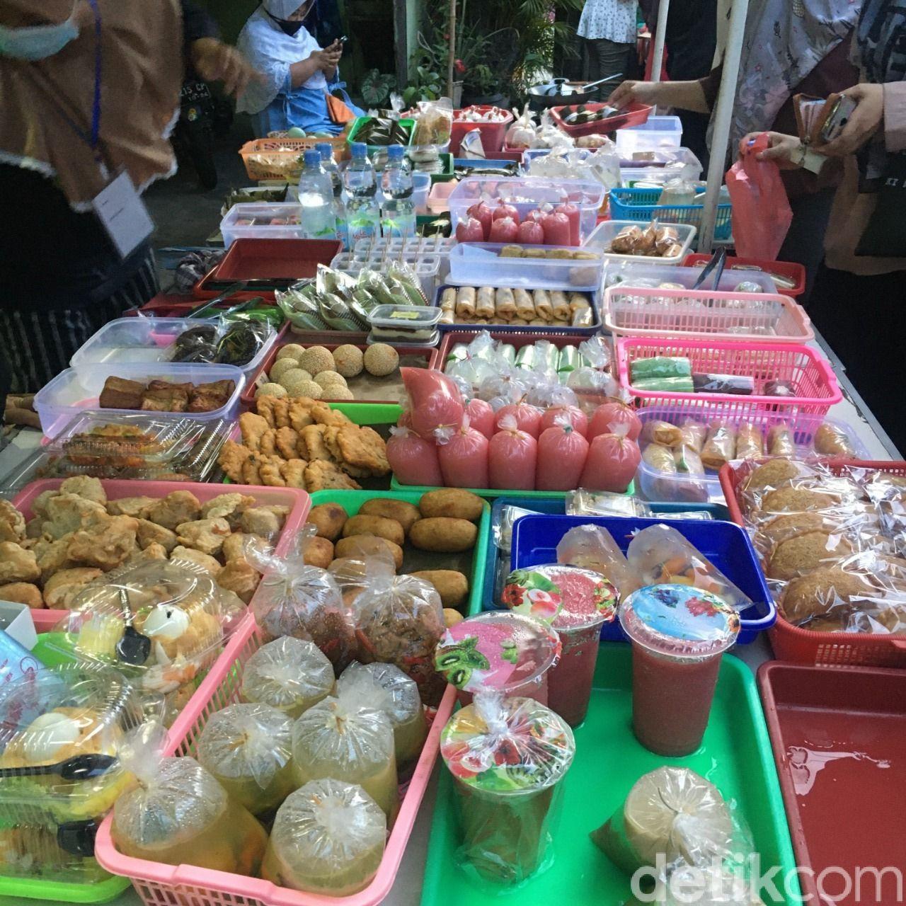Berburu Takjil Nikmat di Kampung Ramadhan Jogokariyan, Yogyakarta.