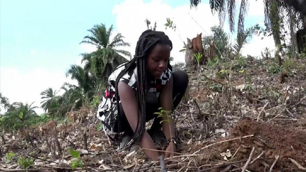 Keren! Remaja Ini Gigih Memulihkan Hutan Uganda yang Hilang