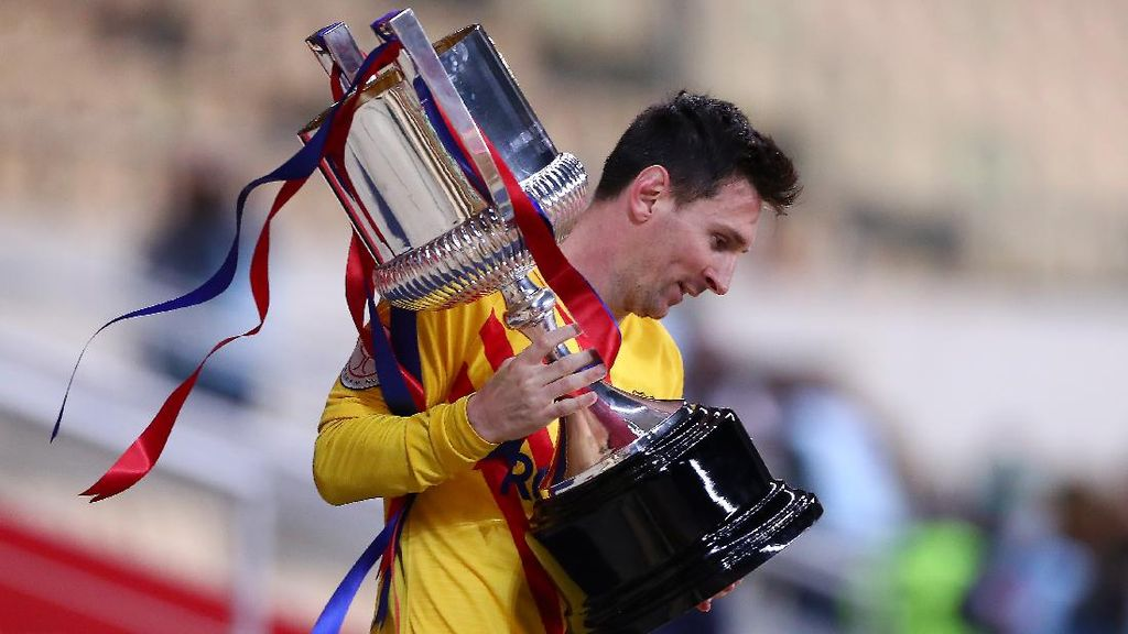 Barcelona Mengejar Titel Double di Musim Ini