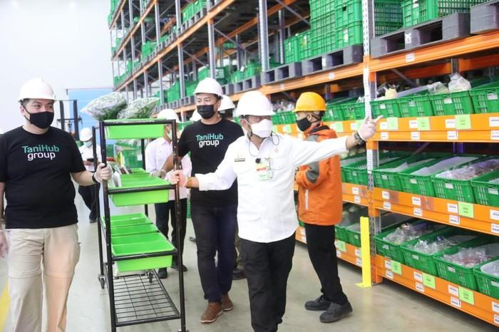 Menteri Pertanian Syahrul Yasin Limpo meresmikan National Fulfillment Center (NFC) milik TaniHub.