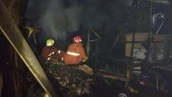 Kebakaran di Kembangan Jakbar Diduga Berasal dari Bakaran Sampah Serbuk Kayu