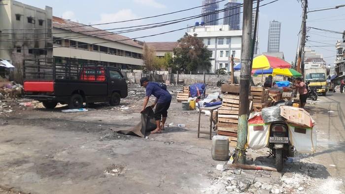 Puing-puing kebakaran Pasar Kambing Tanah Abang telah dibersihkan.