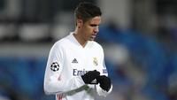 Real Madrid Rela Jual Raphael Varane ke MU
