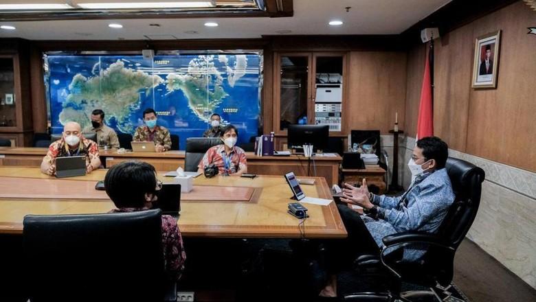 Menparekraf Sandiaga Uno menerima detikcom di kantornya, Jumat (16/4/2021).