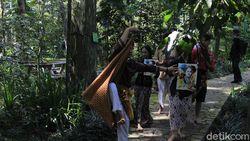 Melihat Aksi Seniman Bandung Menari 7 Jam Non Stop untuk Kenang RA Kartini