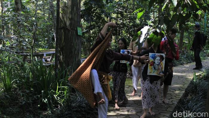 Tarian 7 jam non stop untuk RA Kartini di Bandung