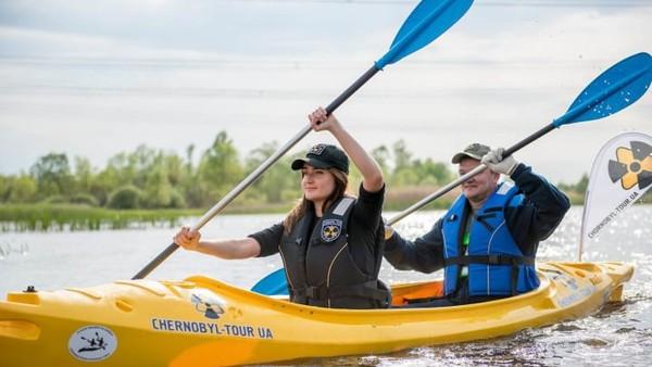 Tur baru-baru ini masuk dalam program pariwisata kelam lain, yakni kayak Chernobyl, pelayaran perahu di sungai Pripyat, dan naik kendaraan segala medan ekstrem di Exclusion Zone.