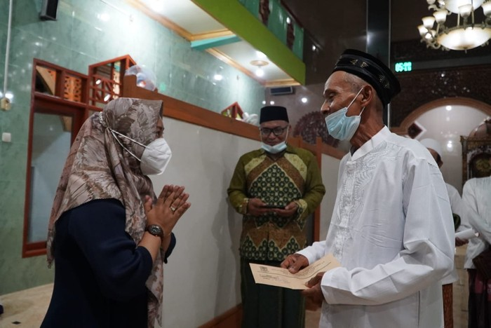 Wali kota Mojokerto, Ika Puspitasari kembali mengalokasikan dana hibah untuk 26 tempat ibadah.