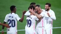 Kerja Sama Zidane-Raul Saat Madrid Krisis Pemain