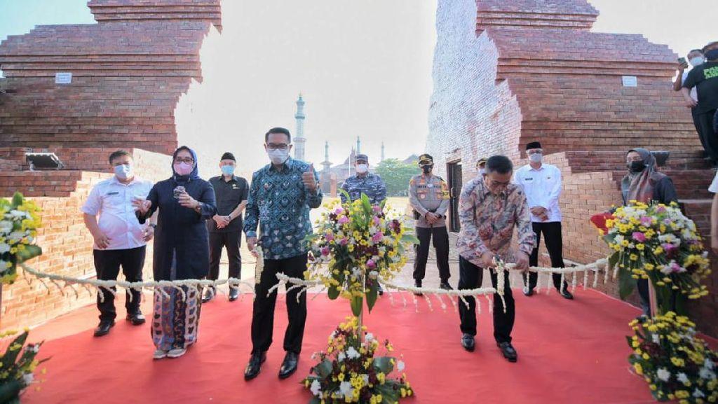 Alun-alun Kejaksan Cirebon Usai Dipercantik, Kang Emil Titip Pesan Ini