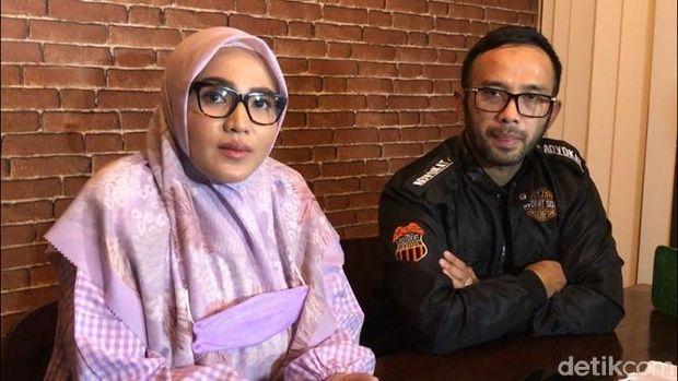 Amalia Fujiwati, mantan istri siri Bambang Pamungkas akhirnya muncul