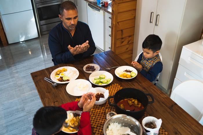 Jalani Puasa tanpa Makan Sahur? Ini Hukumnya dalam Islam