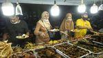 Lapeh Salero Nikmatnya Berbuka di Food Sreet Senen