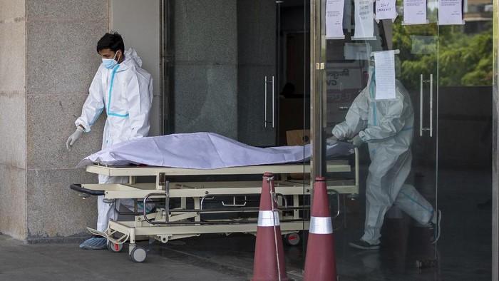 Virus Corona di India terus mengganas. Pemerintah India pada Kamis (22/4) ini melaporkan lebih dari 300.000 kasus infeksi virus Corona selama 24 jam terakhir.