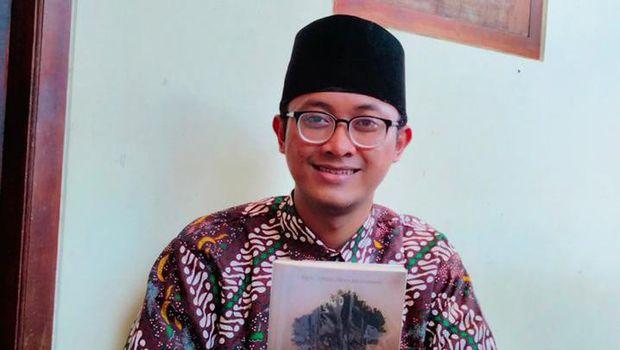 M. Iqbal Saripudin dan novel karyanya