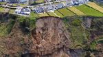 Tebing di Pantai Wales Mendadak Longsor