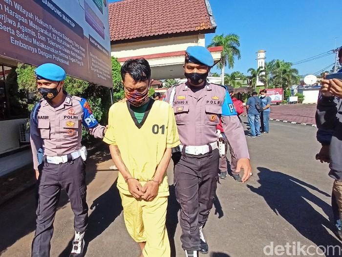 Pria Bandung curi 9 laptop di kantor KCIC