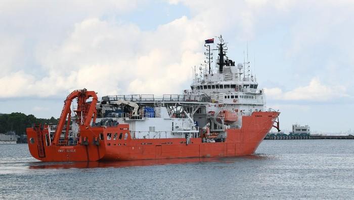 Singapura mengerahkan kapal MV Swift Rescue untuk membantu pencairan kapal selam KRI Nanggala-402. Kapal itu diperkirakan akan tiba di lokasi hilangnya kontak KRI Nanggala pada 24 April.