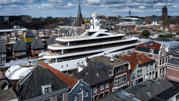 Superyacht Project 817
