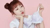 10 Potret Arin Oh My Girl, Tak Gunakan Pakaian Dalam di Iklan Dapat Nyinyiran