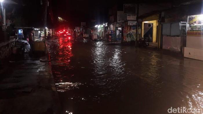 Banjir di Jl Kemang Utara IX Jaksel Banjir.