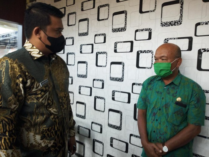 Bobby Nasution sidak ke kantor kelurahan di Medan (Datuk-detikcom)