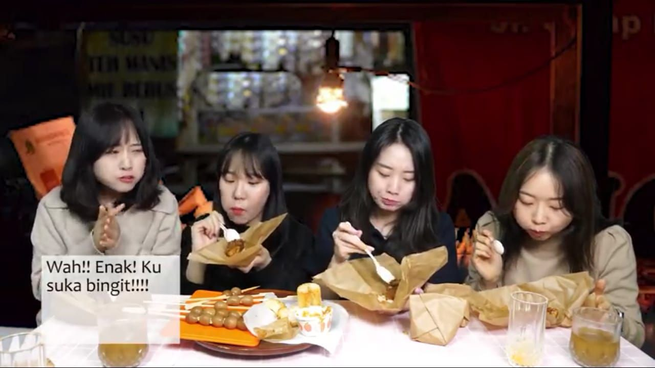 Seru! Hari Jisun Buka Warung Angkringan untuk Teman-Temannya di Korea
