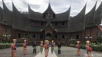 Sandiaga Minta 19 Kabupaten Kota Sumbar Miliki Ikon Masing-masing