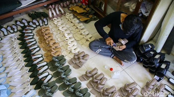 Sepatu wanita karya Harriette Arlita Tiarasari ini telah menembus pasar mancanegara seperti Malaysia, Brunei, Singapura, dan Timur Tengah. Sepatu tersebut diproduksi di Tangsel.