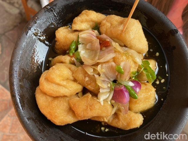Kuliner Cirebon, Berburu Tahu Gejrot Nikmat di Pasar Kanoman