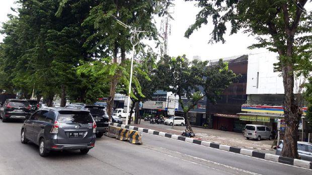 Lokasi Porche terobos busway di Jl Sultan Iskandar Muda, Gandaria, Jaksel.