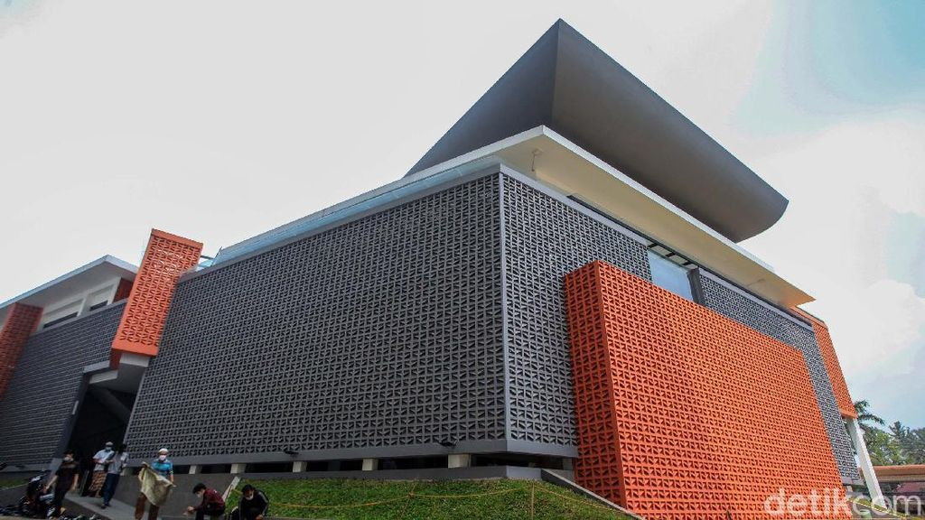 Masjid Unpam Ini Ramah Lingkungan dan Sejuk Meski Tanpa AC