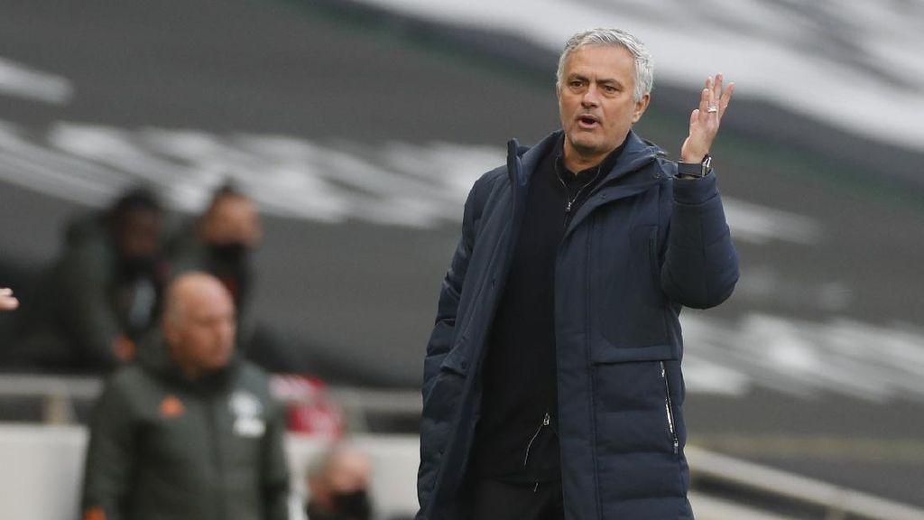Mourinho ke Serie A Lagi: Dulu Juara Bareng Inter, Kini Latih Roma