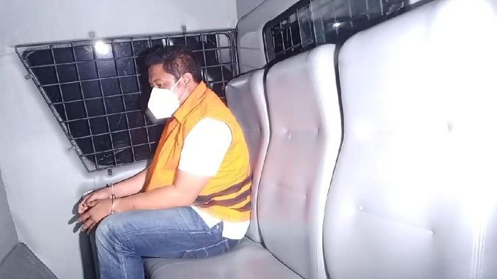 Penyidik KPK yang jadi tersangka, Steppanus Robin Pattuju (Foto: Azhar/detikcom)