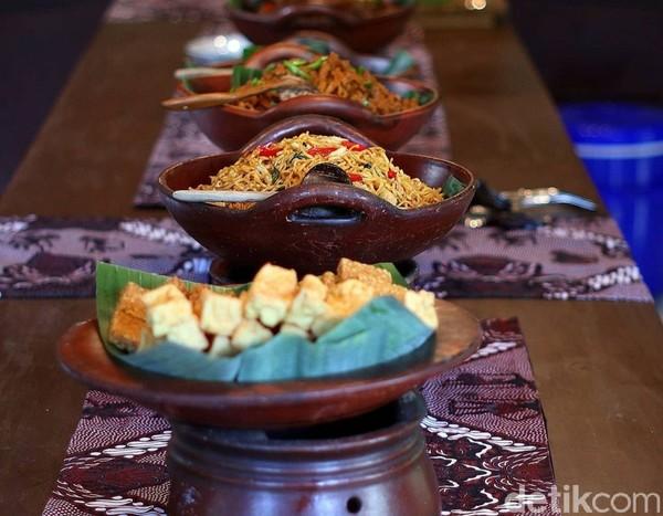Ragam kuliner di sini cocok untuk pencinta masakan Jawa, khususnya Blitar. Bumbunya kaya rempah dengan rasa pedas manis yang mendominasi. (Erliana Riady/detikTravel)