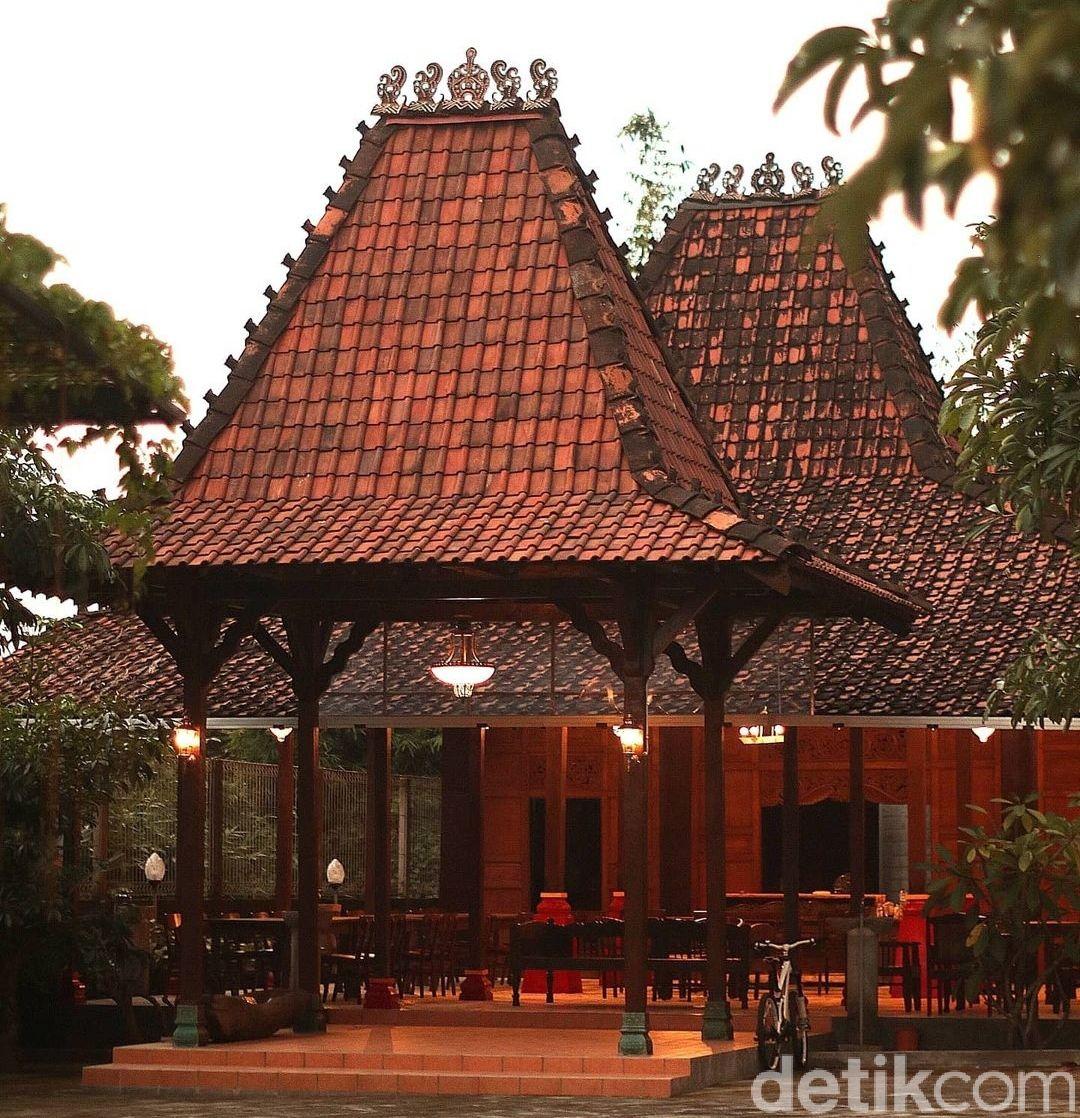 Rumah Makan Wajawa Kopi di Blitar, Jawa Timur.