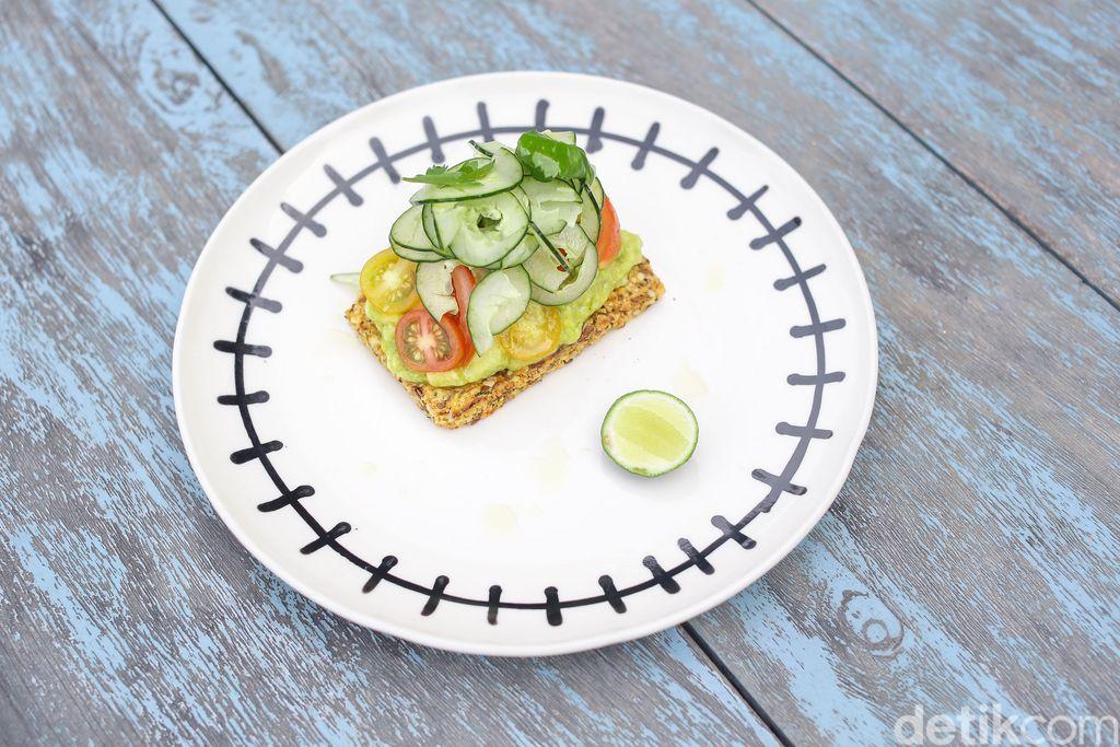 Sarapan Sehat dengan Real Toast dan Quinoa Bowl di COMO Uma Canggu