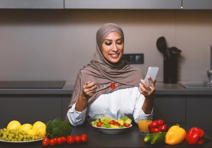 Sering Makan Gorengan Saat Buka Puasa? Lakukan 5 Hal Ini untuk Kurangi Efek Buruknya