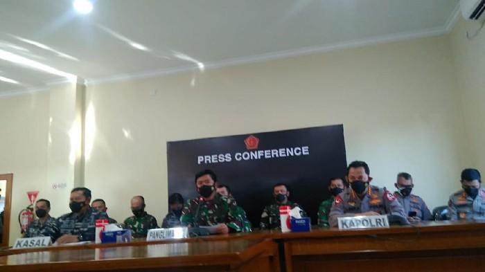 KSAL, Panglima TNI dan Kapolri di konferensi Pers di Bali (Dok. Sui/detikcom)
