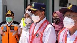 Menhub: Ada Penumpukan Penumpang KRL, PT KCI Tak Profesional