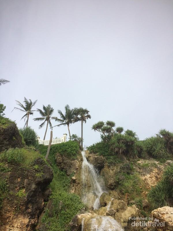 Pemandangan Pantai Parangtritis.