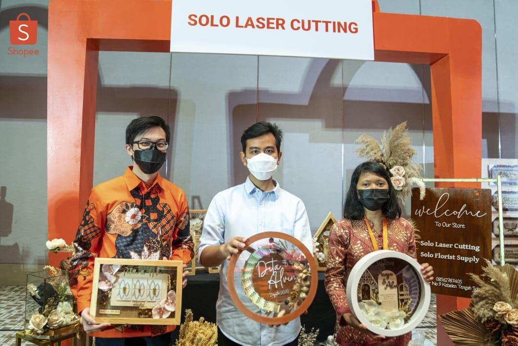 Pemerintah Kota Solo bersama dengan Shopee Indonesia menandatangani kesepakatan guna mengembangkan potensi dan mencetak usaha mikro, kecil dan menengah (UMKM) yang siap menembus pasar ekspor. Ist